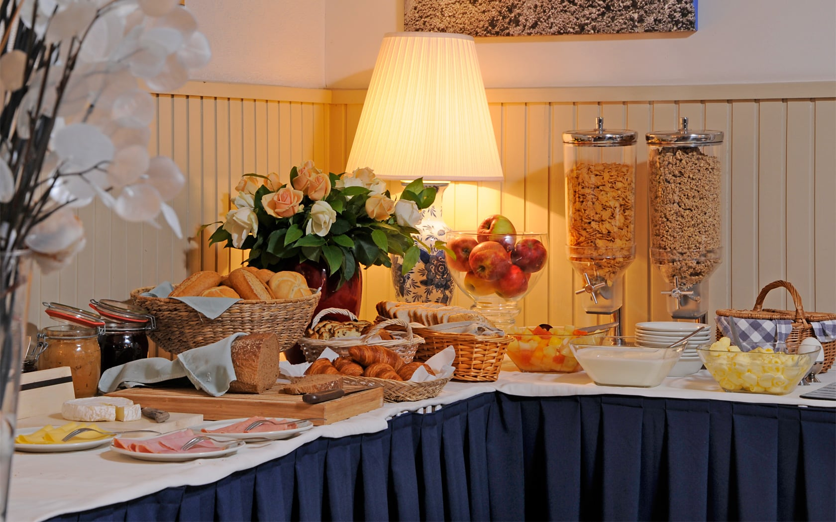 Frühstück - Hotel de Burg
