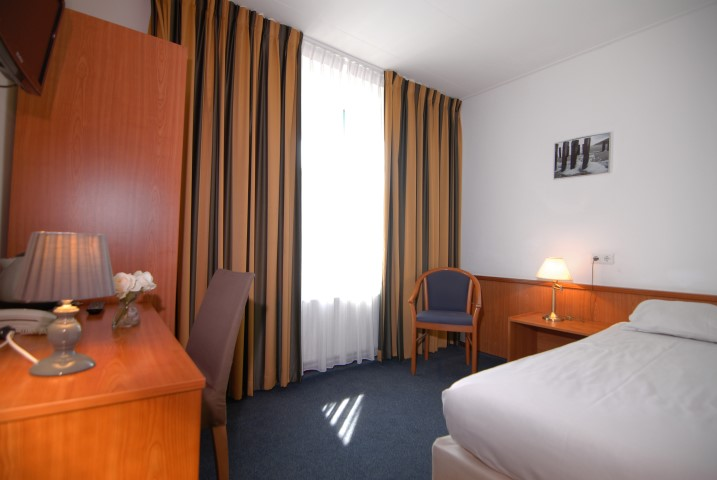 Rooms - Hotel de Burg